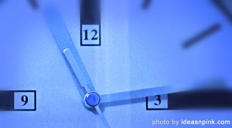clock-blue-macro