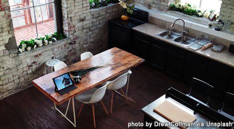 unsplash-kitchen-laptop-desk